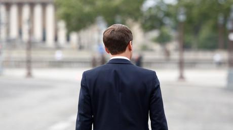 «L'industrie, au service de la finance» ? Macron offre la légion d'honneur à l'ex-patronne GE France