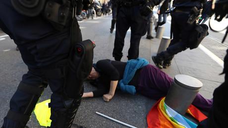 «Médailles de la honte» : l'Intérieur décore des policiers suspectés de violences illégitimes
