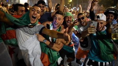 Dans les rues de Lyon après la victoire algérienne en Coupe d'Afrique des nations.