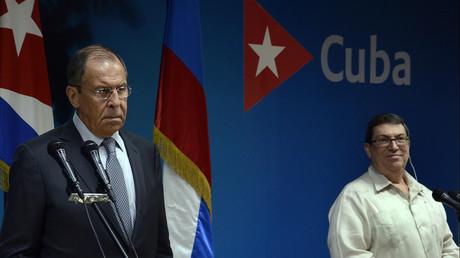 Le ministre russe des Affaires étrangères Sergueï Lavrov et son homologue cubain  Bruno Rodriguez en conférence de presse conjointe à La Havane, le 24 juillet 2019.
