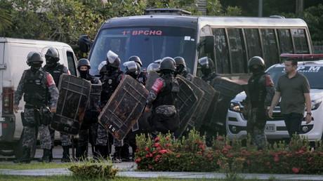 Bain de sang dans une prison au Brésil : 52 morts, dont 16 décapités