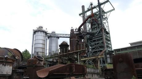 Une photo prise le 30 juillet 2019 montre un haut fourneau au LWL Industrial Museum de l'ancienne usine sidérurgique Henrichshuette de Hattingen, dans l'ouest de l'Allemagne (illustration).