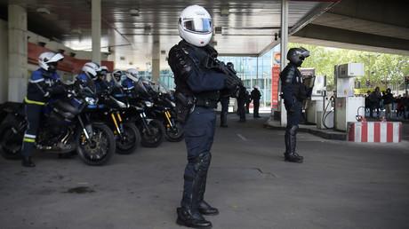 Un policier anti-émeute le 27 avril 2019 à Paris (image d'illustration).