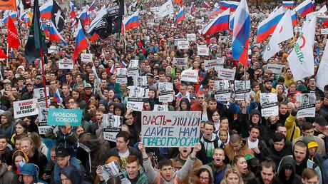 En Russie, pouvoir et opposition peinent à s'entendre sur les manifestations