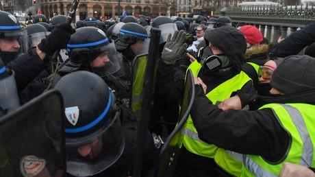 Affrontement entre membres des forces de l'ordre et Gilets jaunes à Paris le 26 janvier 2019 (image d'illustration)