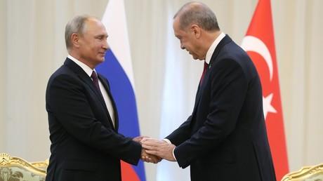 Le président russe Vladimir Poutine et son homologue turc Recep Tayyip Erdogan se rencontre à Téhéran à l'occasion du sommet d'Astana organisé le 7 septembre 2018 à Téhéran.
