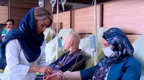 En Iran, les malades du cancer victimes des sanctions américaines (VIDEO)