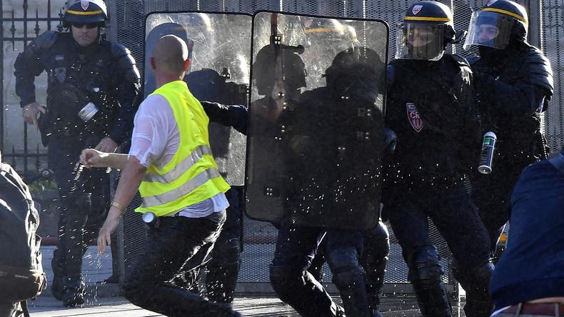 Les Gilets jaunes devant la justice : déjà 3 000 condamnations, dont un tiers à de la prison ferme 5d8b1a376f7ccc165755d4b1