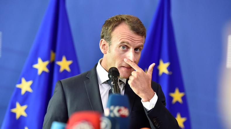 Emmanuel Macron poursuit son offensive sur l'immigration