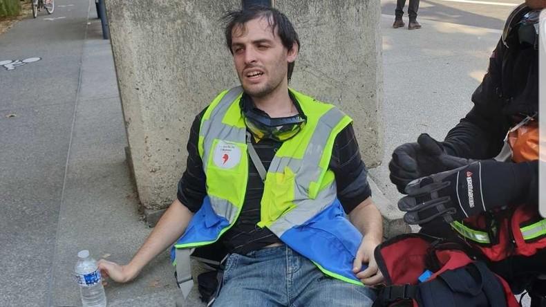 Je vous emmerde la LDH» : des observateurs frappés et insultés par des policiers à Toulouse 5d9049116f7ccc2c3634bde3