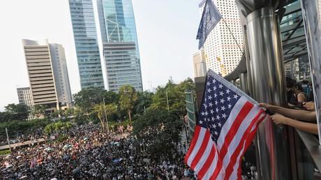 Les manifestants se sont rassemblés devant le consulat américain à Hong Kong le 8 septembre.