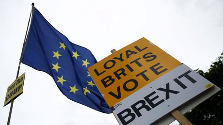 Brexit à travers le miroir