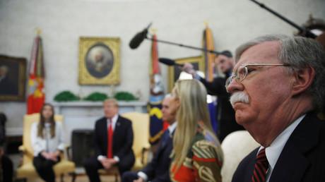 John Bolton, lors d'une rencontre à Washington entre Donald Trump et l'épouse de l'opposant vénézuélien Juan Guaido, Fabiana Rosales, le 27 mars 2019.