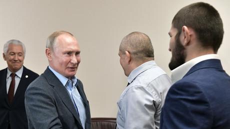 «Victoire convaincante» : Poutine félicite Nourmagomedov pour sa victoire à l'UFC 242 (VIDEO)