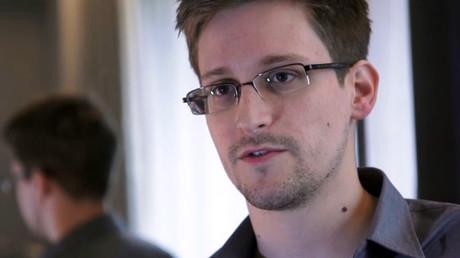 Le lanceur d'alerte Edward Snowden, en 2013 à Hong Kong.