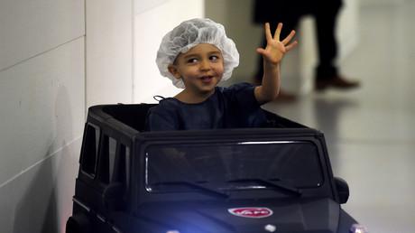 Vive émotion après la disparition de voiturettes pour enfants dans une clinique du Mans