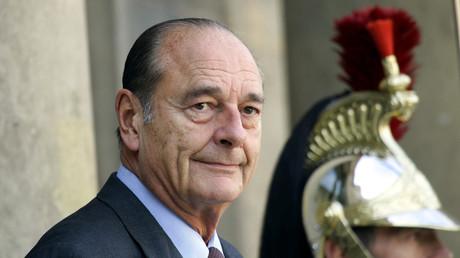 Jacques Chirac sur le perron de l'Elysée le 4 octobre 2004 (image d'illustration)