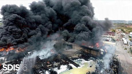 L'incendie dans une usine de Lubrizol à Rouen, le 27 septembre 2019.