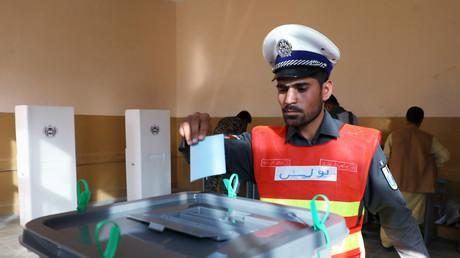 Attentats et défaillances : rude journée électorale en Afghanistan, marquée par l'abstention