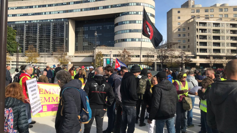 Gilets jaunes, acte 50 : appel national à Saint-Etienne et manifestation avec les Chiliens à Paris 5db42e3587f3ec49d97e1287