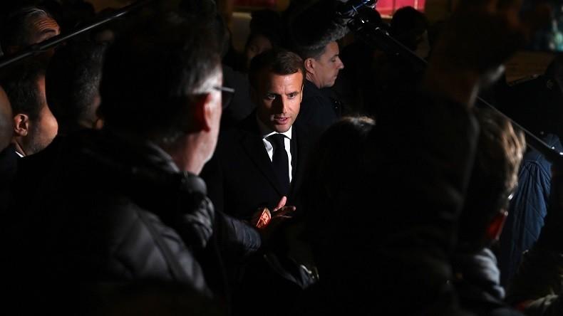 «Démission !» ; «Dégage !» : Hué, Emmanuel Macron voit sa visite à Rouen perturbée