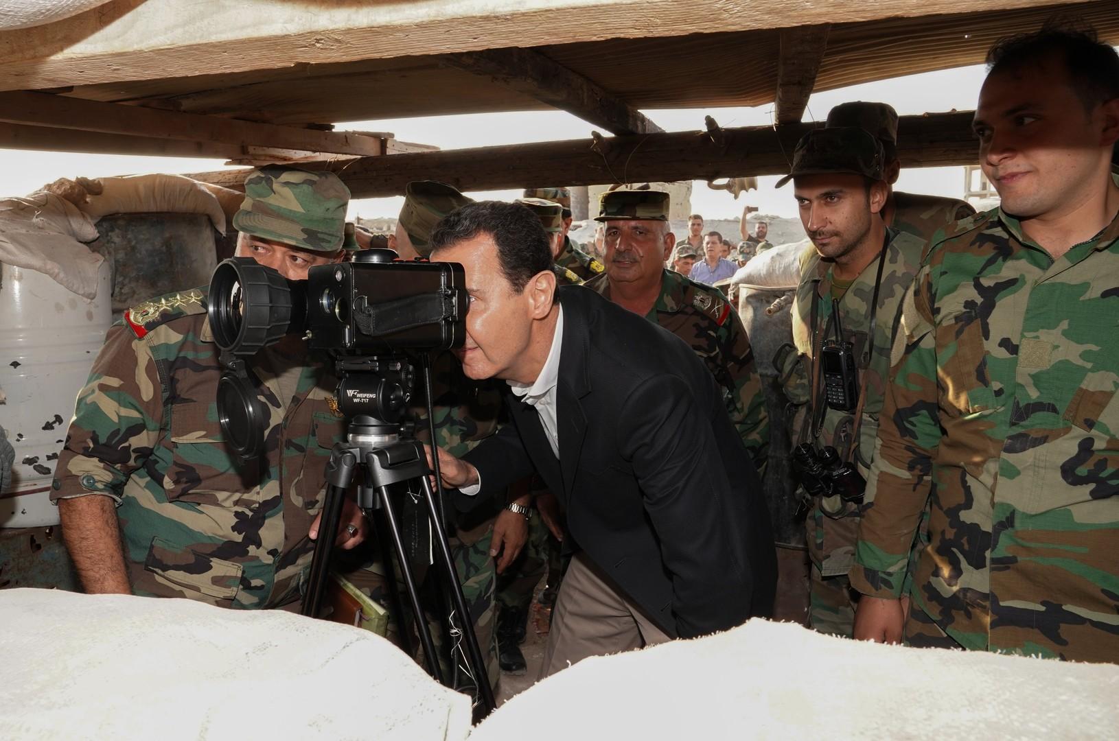 Sur la ligne de front d'Idleb, Bachar el-Assad promet de ramener l'unité territoriale en Syrie