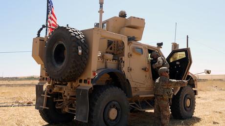 Un véhicule militaire américain est stationné près de la ville syrienne de Tel Abyad (image d'illustration).