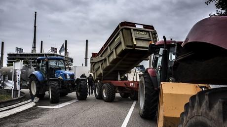 Des agriculteurs manifestent près de Lyon en juin 2018 (image d'illustration).