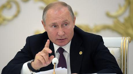 Vladimir Poutine le 11 octobre au Turkménistan.