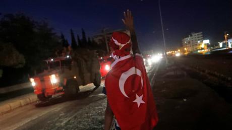 Offensive turque en Syrie : la France va arrêter d'envoyer du matériel de guerre à Ankara