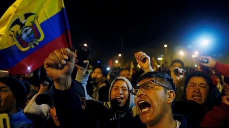 Manifestation de joie dans les rues de Quito à l'annonce de l'accord entre le gouvernement et les représentants des indigènes.