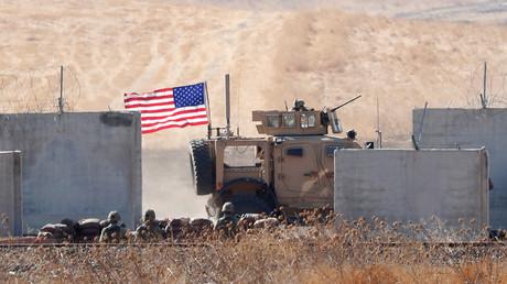 Un véhicule militaire américain est photographié dans le secteur de la frontière turque lors d'une patrouille menée conjointement avec la Turquie dans le nord de la Syrie dans le nord de la Syrie, le 8 septembre 2019 (image d'illustration).