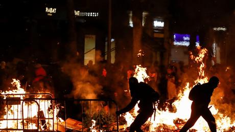 Barricades, affrontements et cocktails Molotov : nouvelle nuit de fortes tensions à Barcelone