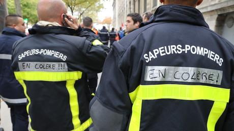 Le pompier blessé qui a fait le buzz en insultant Macron risque la révocation 5da9715f6f7ccc20df3d854c