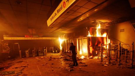 Chili : l'état d'urgence après des manifestations violemment réprimées