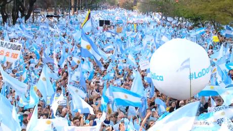Argentine : le nouveau président Alberto Fernandez veut tourner la page de l'austérité