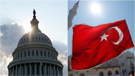 Le Congrès américain et un drapeau turc (image d'illustration).