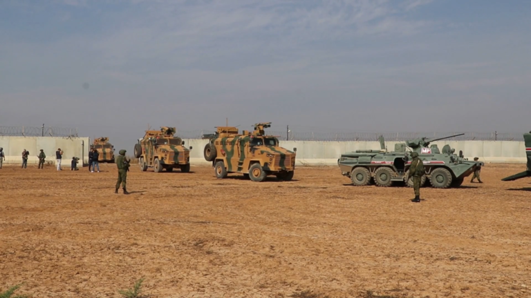 Les patrouilles russo-turques ont débuté dans le nord de la Syrie