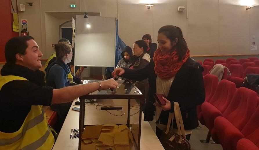 «Une première nationale» : dans l'Aveyron, des Gilets jaunes ont organisé un RIC local