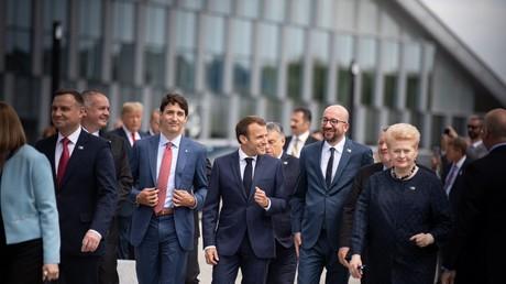 Emmanuel Macron et plusieurs chefs d'état lors d'un sommet de l'OTAN en juillet 2018.