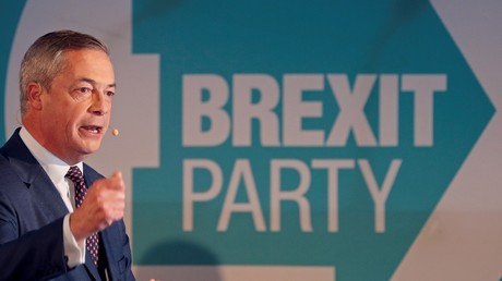 Le discours du chef de file du Brexit Party Nigel Farage introduit ses candidats pour les élections générales anticipées, à Londres, le 4 novembre 2019.