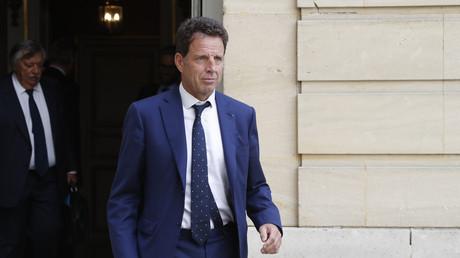 Le President du Medef Geoffroy Roux de Bezieux quitte l'Hôtel Matignon, après une rencontre avec le Premier ministre, le 5 septembre 2019.