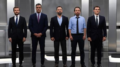 Les cinq principaux candidats pour le poste de Premier ministre réunis lors d'un débat télévisé à Madrid le 4 novembre.