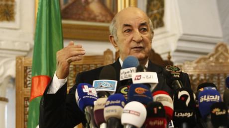 L'ancien Premier ministre et candidat à la prochaine présidentielle algérienne, Abdelmadjid Tebboune, s'exprime devant la presse, le 9 novembre 2019.