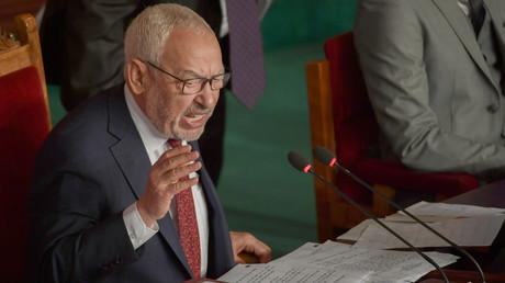 Le chef du parti Ennahdha d'obédience islamiste, Rached Ghannouchi, préside la première session du parlement après les élections législatives, le 13 novembre 2019.