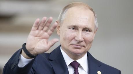 Poutine salue les avancées dans le Donbass et veut une prorogation de la loi sur son statut spécial