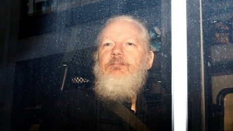 Le parquet suédois abandonne les poursuites pour viol contre Julian Assange, faute de preuves