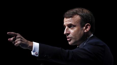 Devant les maires de France, Emmanuel Macron prend position sur le communautarisme