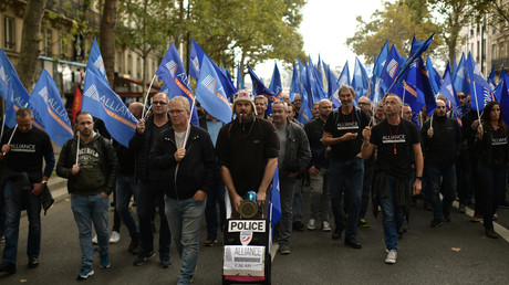 Des membres du syndicat Alliance défilent à Paris le 2 octobre (image d'illustration).