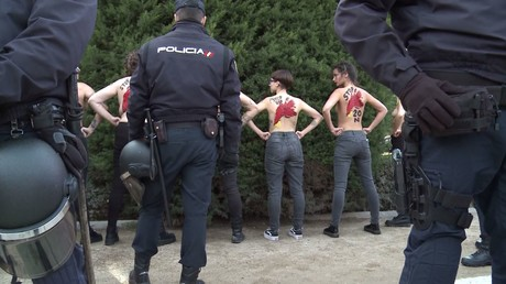 Madrid : les Femen perturbent une manifestation pro-Franco